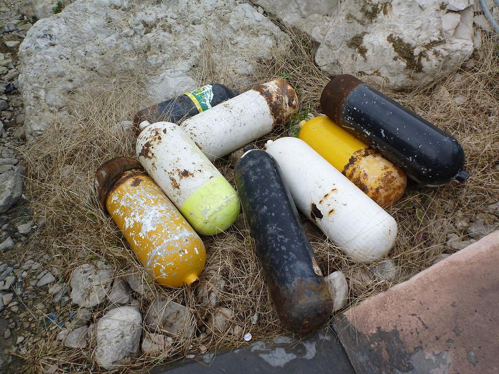 Scuba Cylinders Credit: Wikipedia
