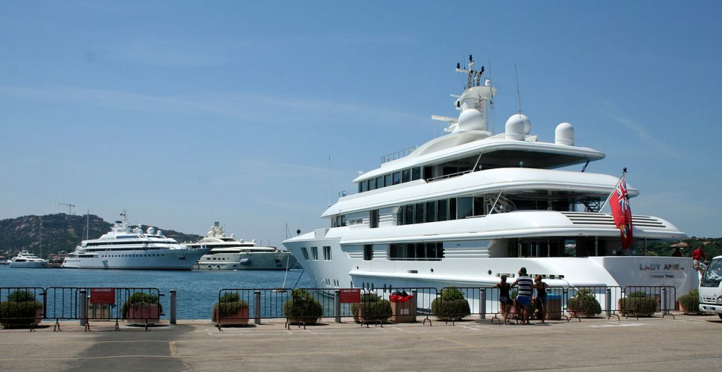 Photo: Luxury Yachts Credit: Wikipedia